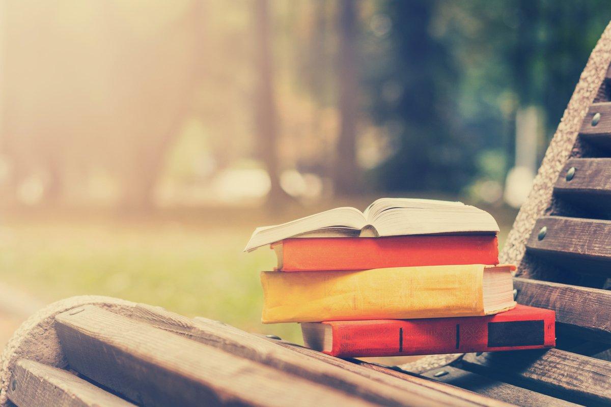 Portada de Se han convocado subvenciones para el fomento de la movilidad internacional de autores literarios financiadas con el PRTR